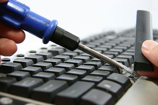 Co so khac phuc loi liet ban phim laptop tai Ha Noi